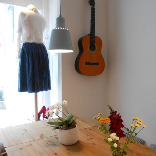 Kleider und Live Musik im CaféLaden